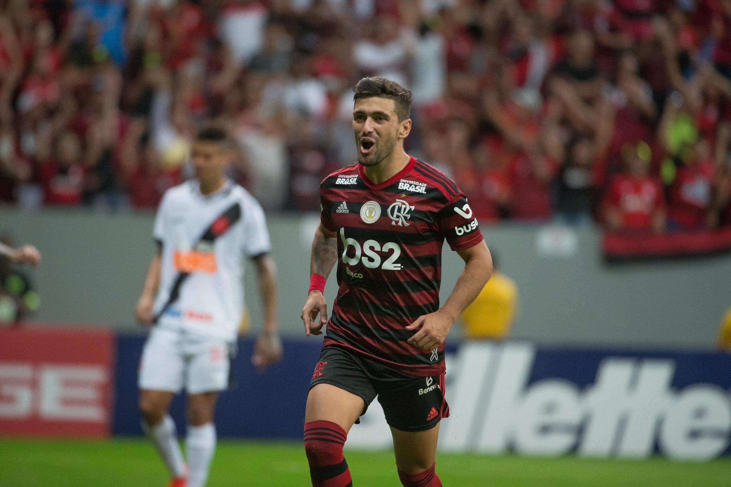 Flamengo vence