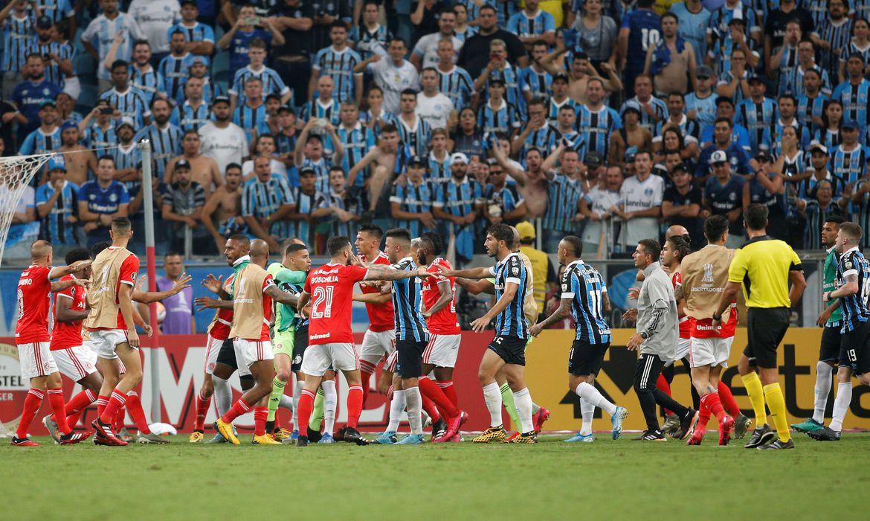 Após 130 dias do Gre-Nal do fim do mundo, Grêmio e Inter voltam a se enfrentar, dessa vez pelo Gauchão.