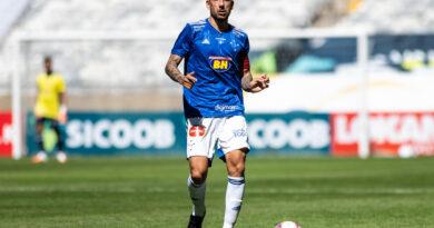 Ariel Cabral renova com o Cruzeiro até dezembro de 2021