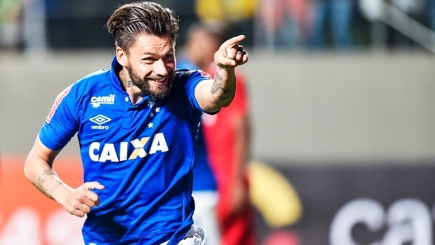 Ação trabalhista movida há um ano teve sua primeira decisão e Cruzeiro tem de pagar R$ 3,2 milhões a Rafael Sóbis.