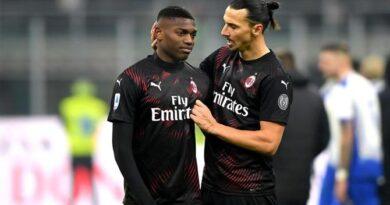 """Rafael Leão fala sobre importância de Ibrahimovic no Milan: """"É um exemplo para todos"""""""