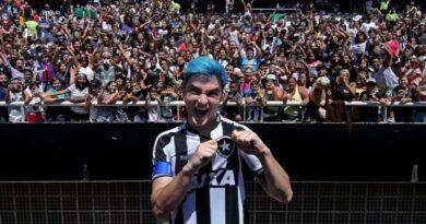 Felipe Neto desabafa sobre polêmicas no Botafogo
