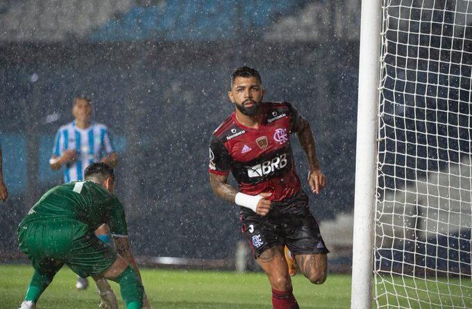 Tá tranquilo, Gabigol é artilheiro! Camisa 9 é o vice artilheiro do Flamengo no século e na historia da Libertadores