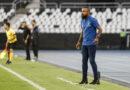 Corinthians anuncia demissão de Dyego Coelho