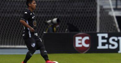 Lecaros entra no time titular e deve ser a única mudança para o confronto contra o Atlético-GO