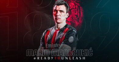 Milan anuncia contratação do atacante Mario Mandzukic