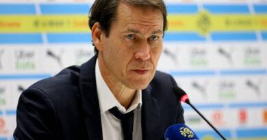 """""""Seria ótimo se ele voltasse a usar a camisa do Lyon"""", afirma treinador Rudi Garcia sobre Benzema"""