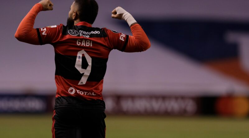 Gabigol iguala Zico como maior artilheiro do Flamengo na Libertadores