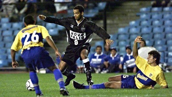 Em busca do bi da Copa Libertadores, o alvinegro de Cuca enfrentará o clube argentino pelas oitavas de final